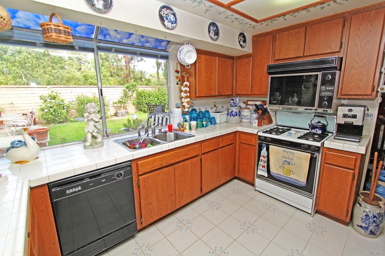 13 Kitchen 1