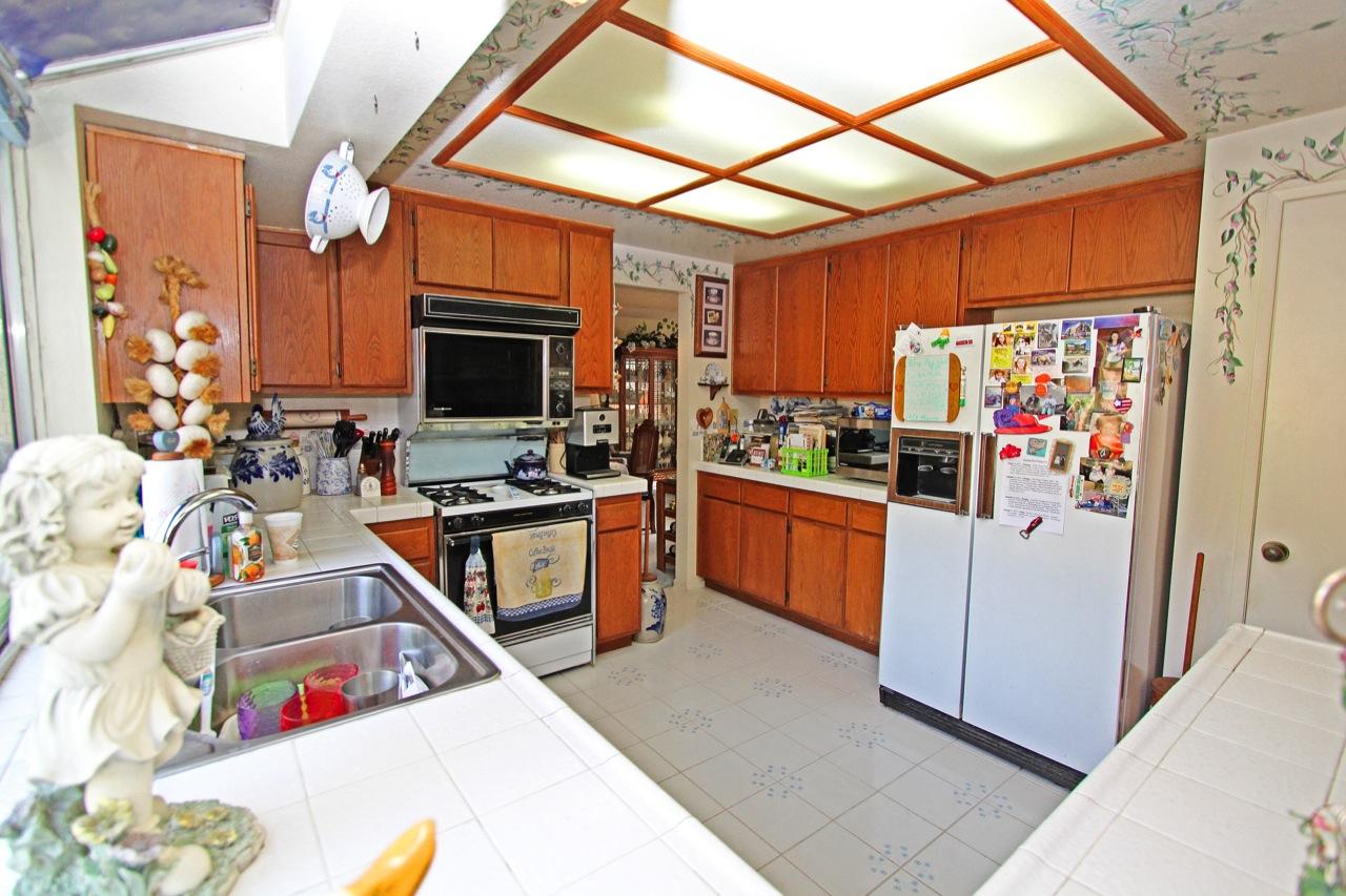 16 Kitchen 4