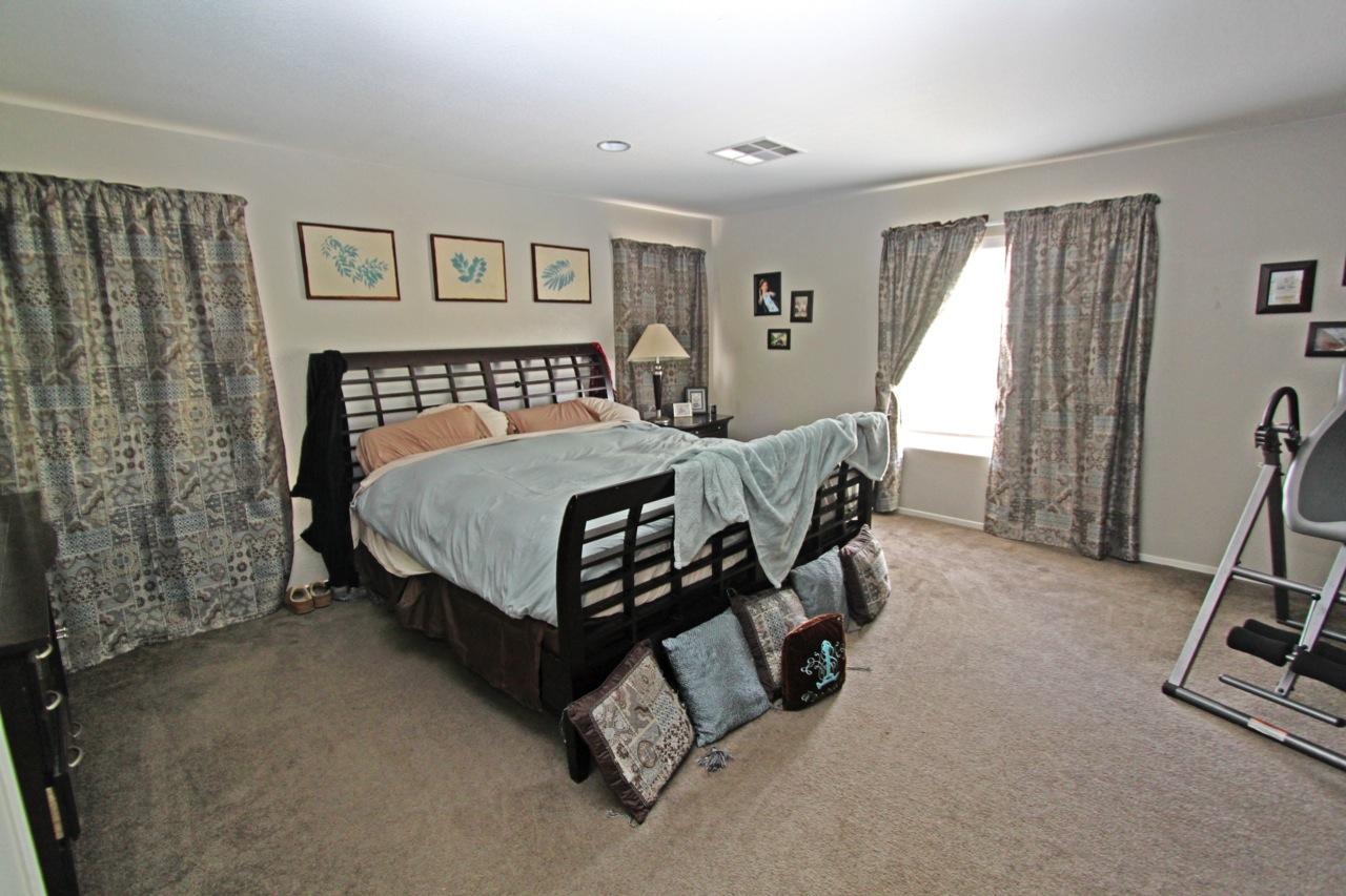 17 Master Bedroom 1