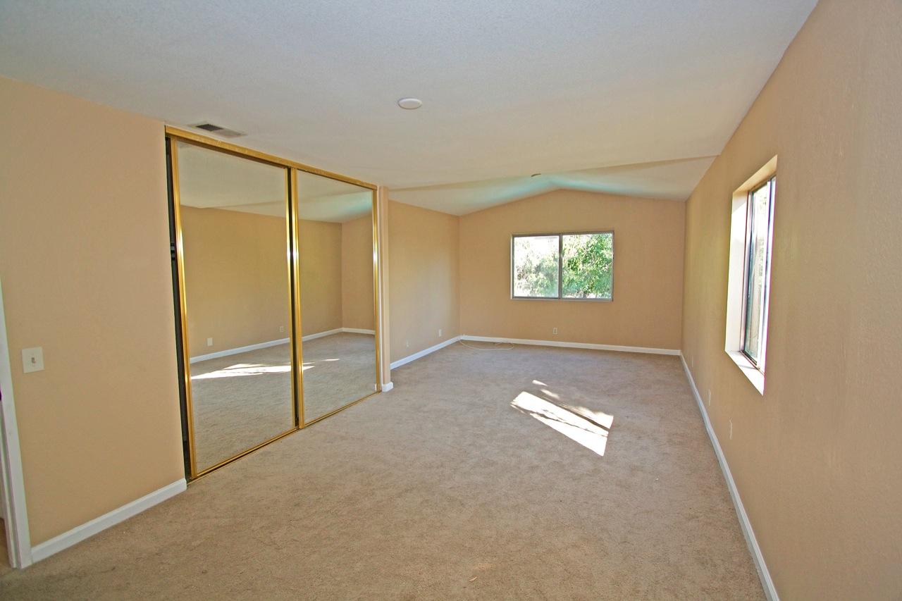 17 Master Bedroom 1A