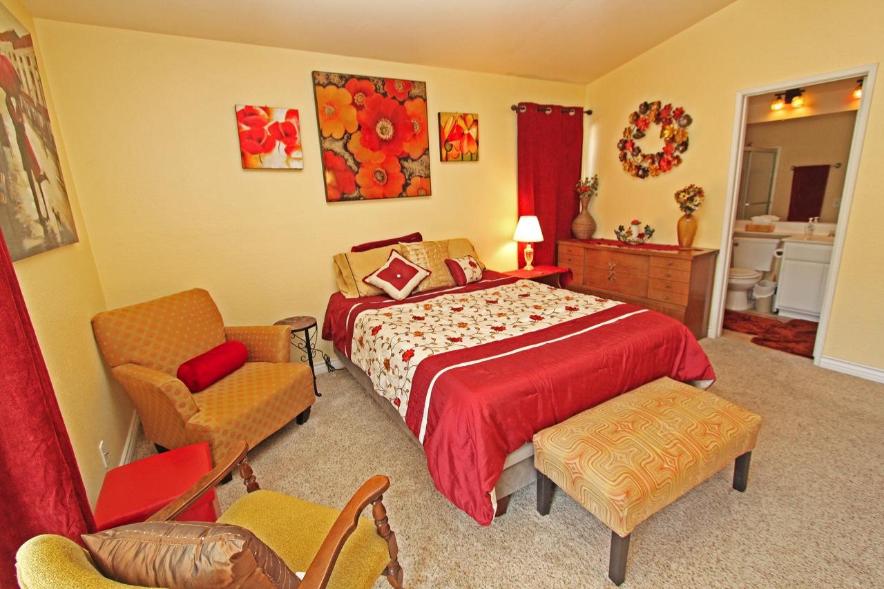 17 Master Bedroom 1C