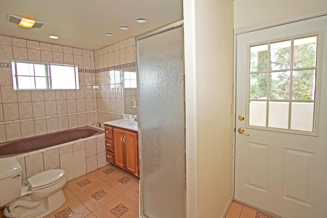 21 Bathroom 3