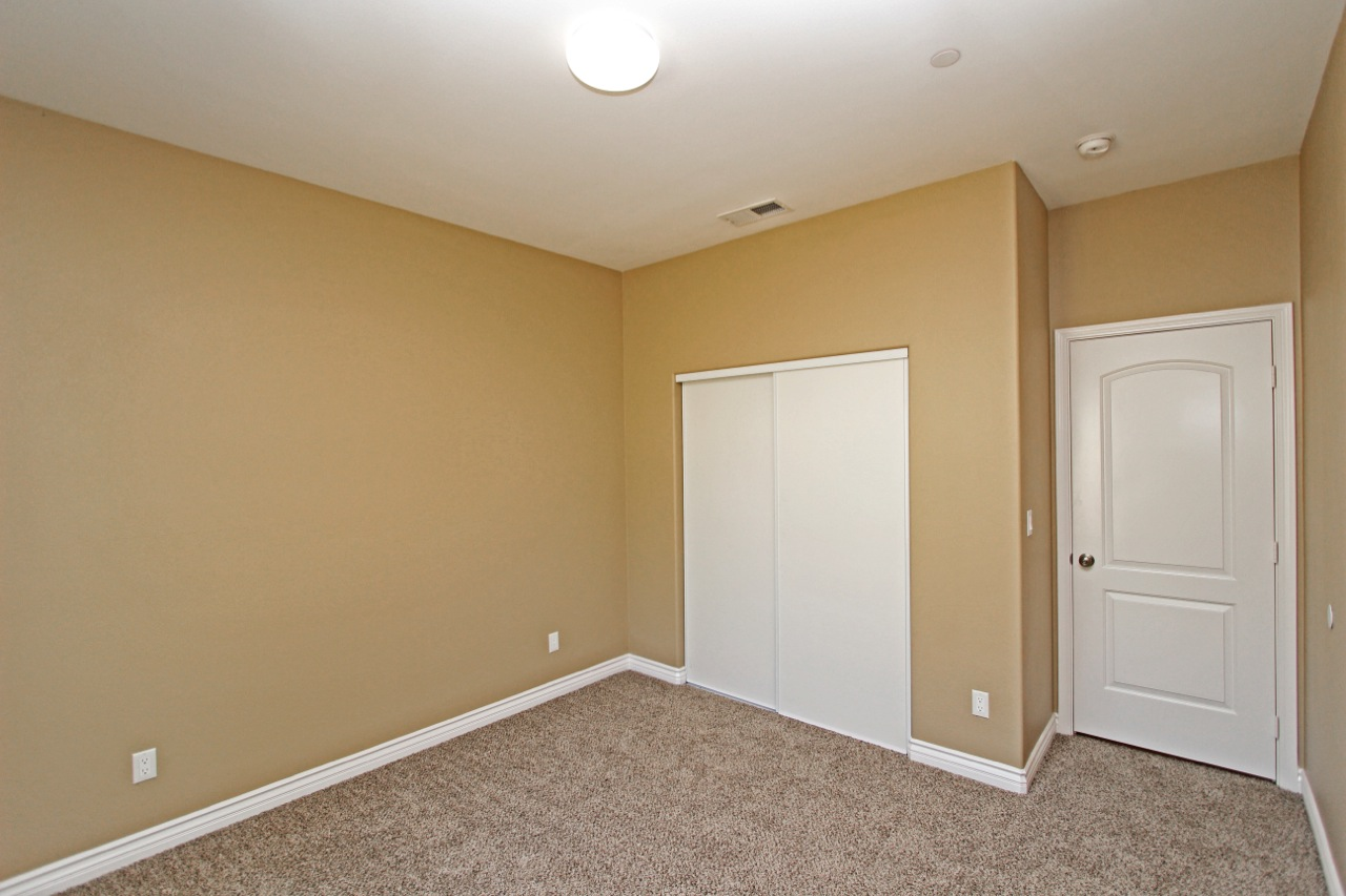 21 Bedroom 2B