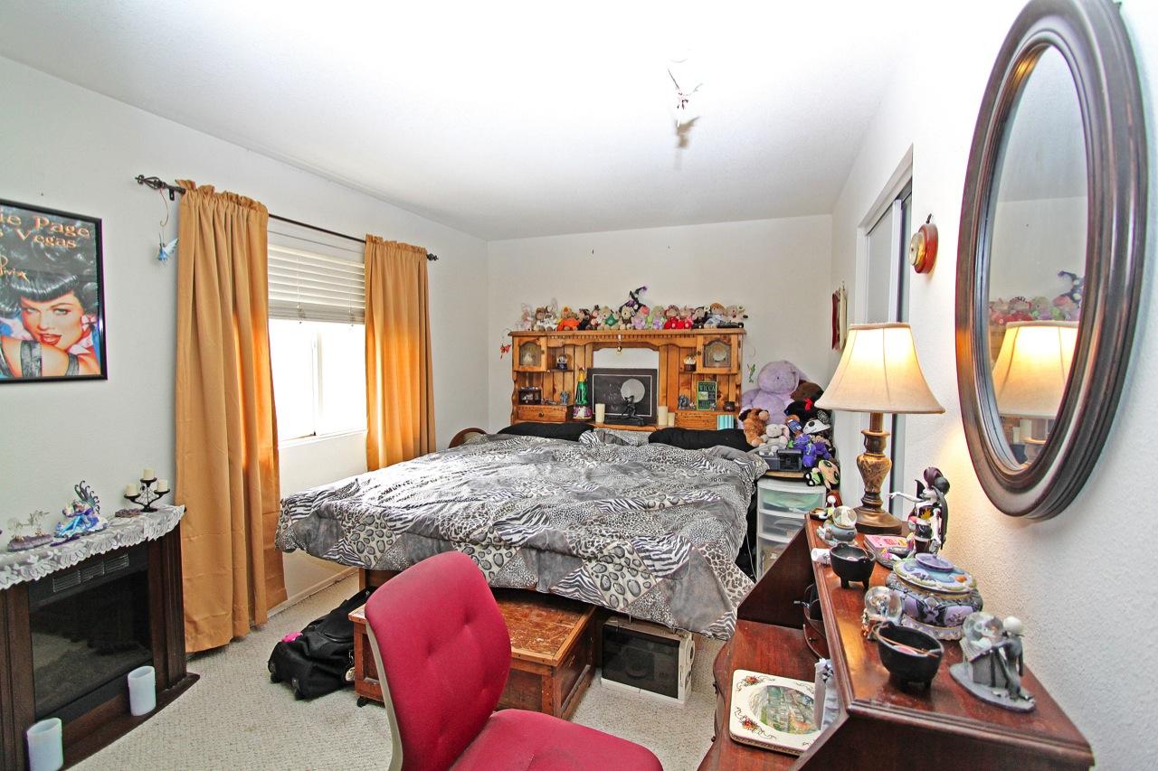 21 Bedroom 6