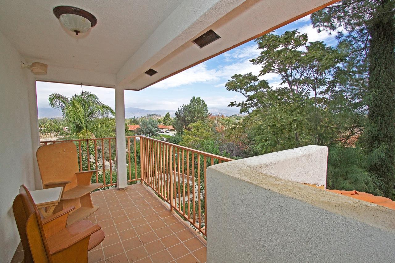 22 Balcony 1
