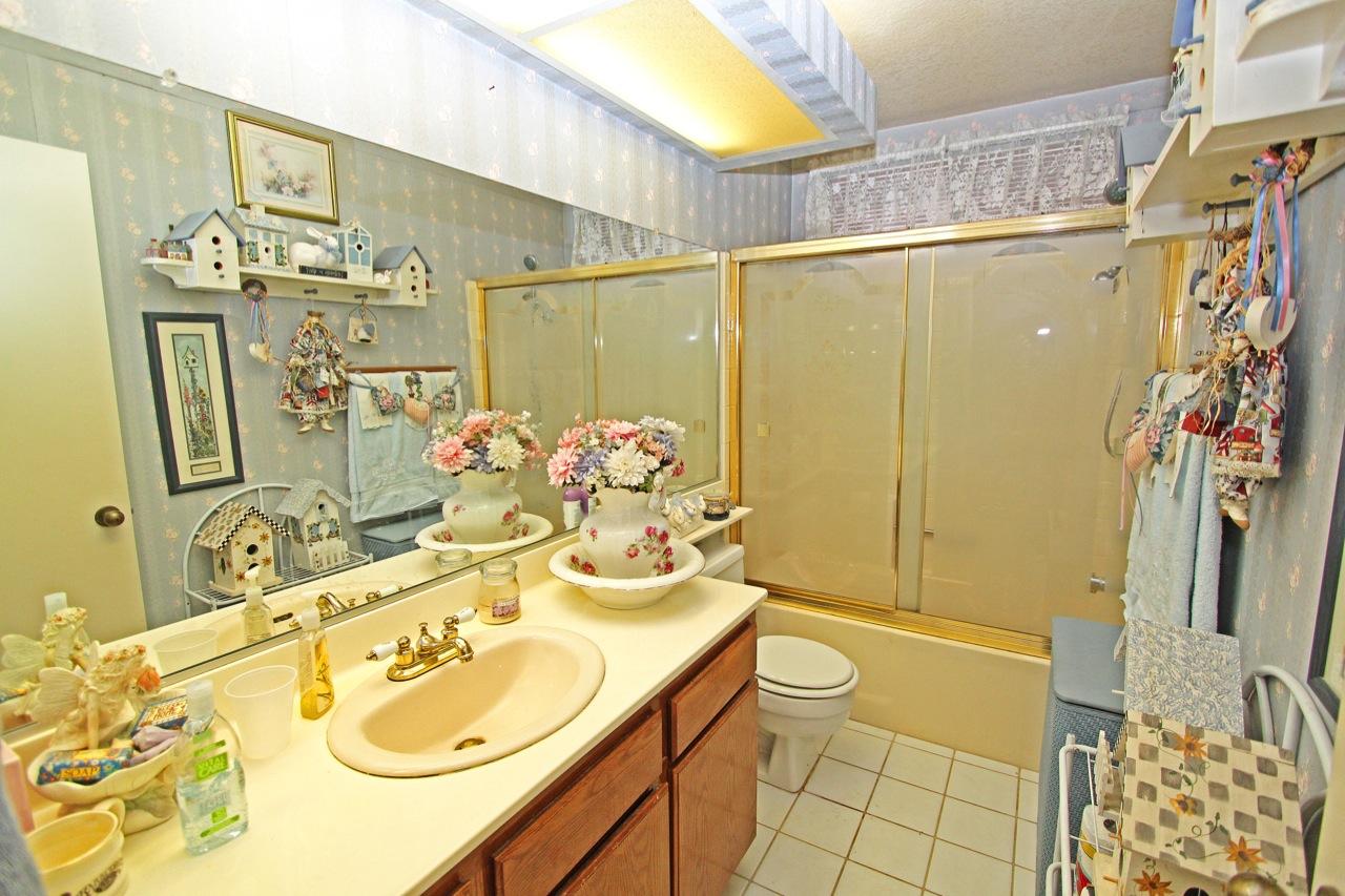 22 Bathroom 2