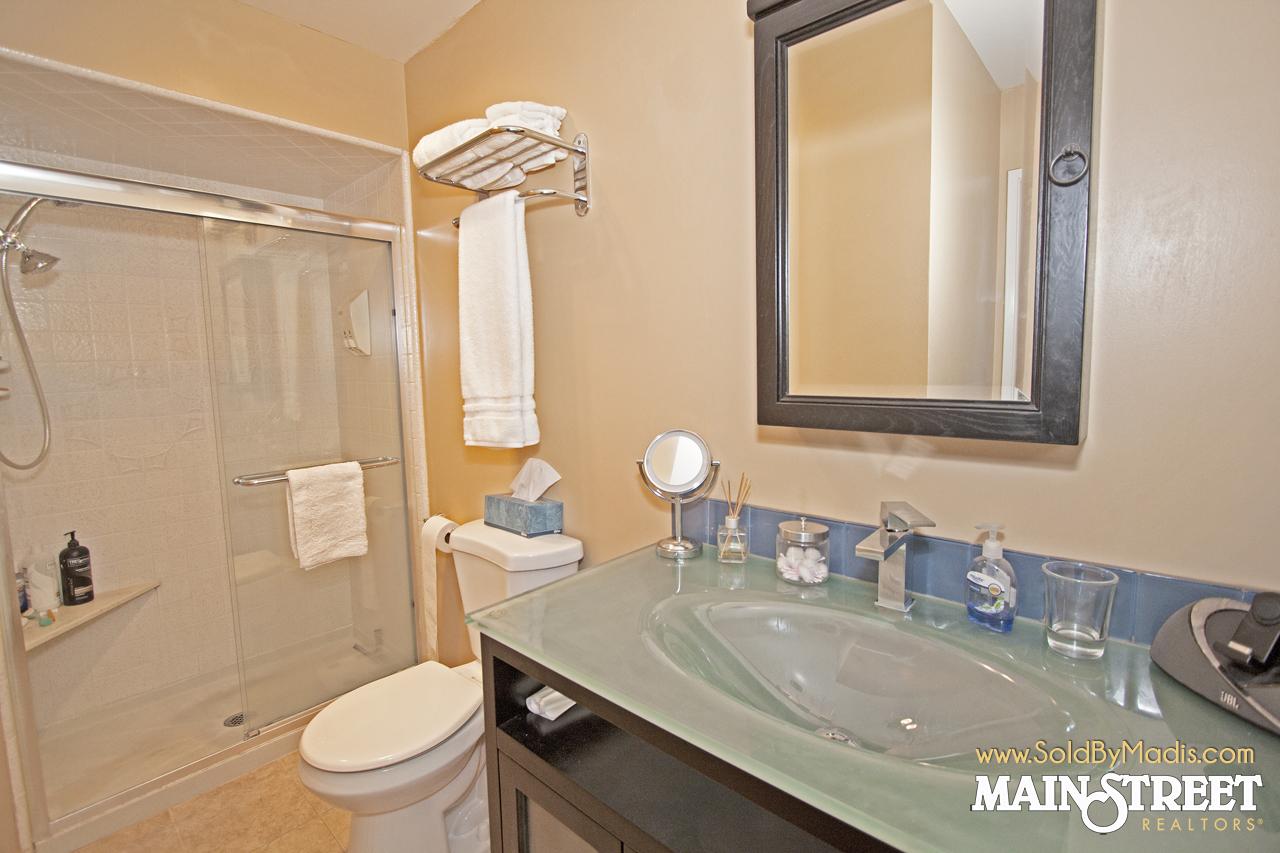 24 Bathroom 3