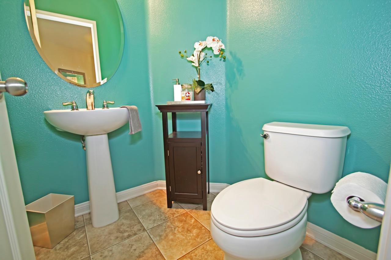 27 Bathroom 3