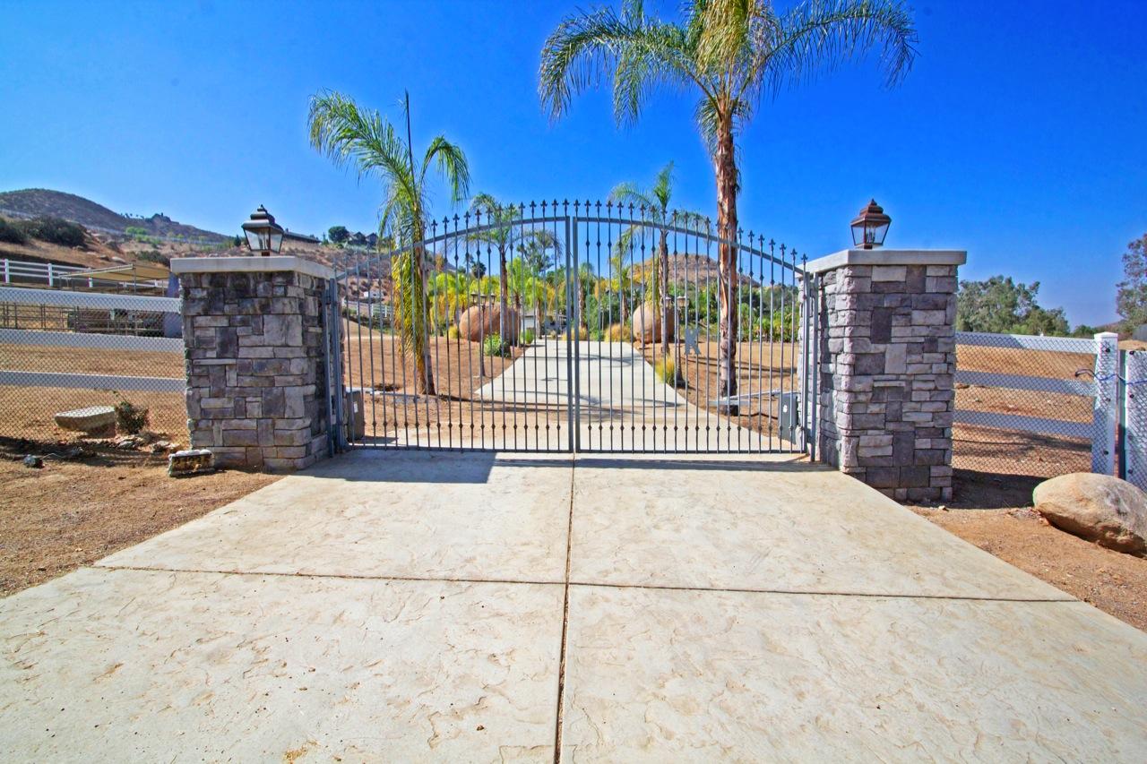 28 Gate