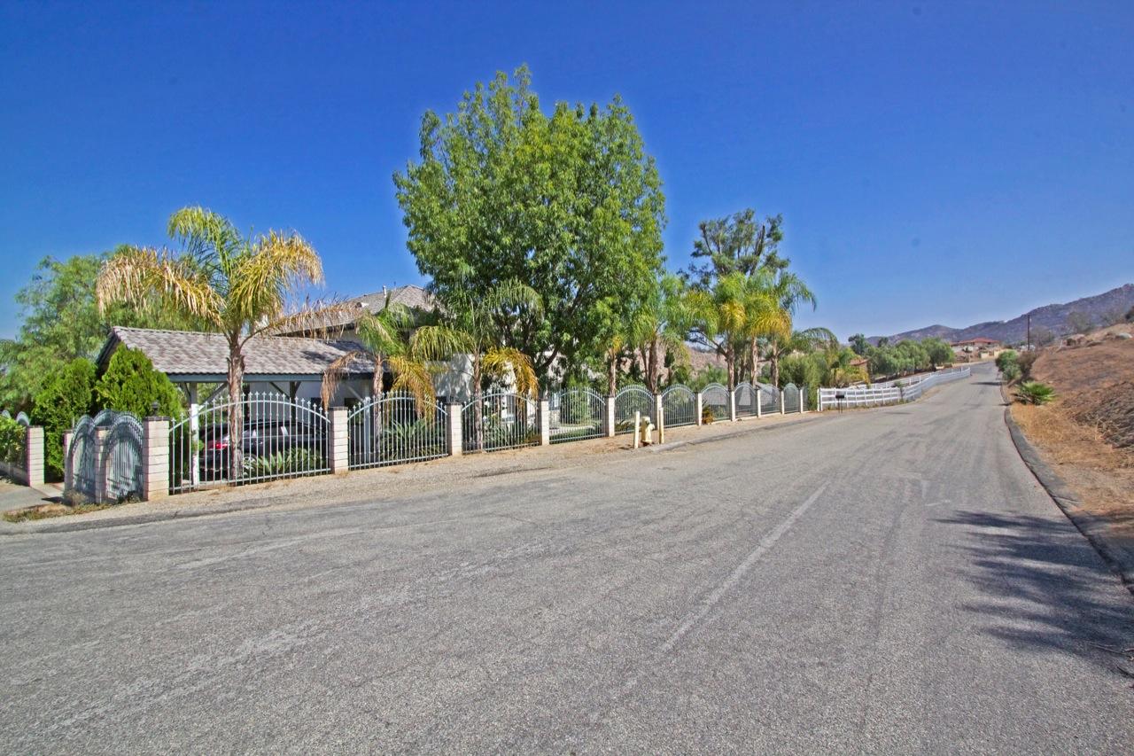 33 Street View