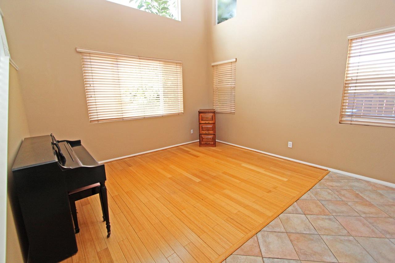 4 Living Room 2