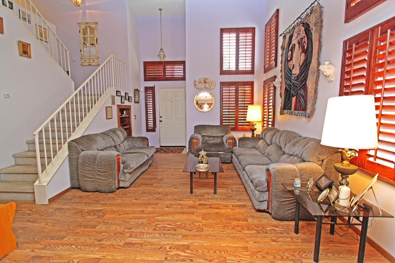 4 Living Room 3