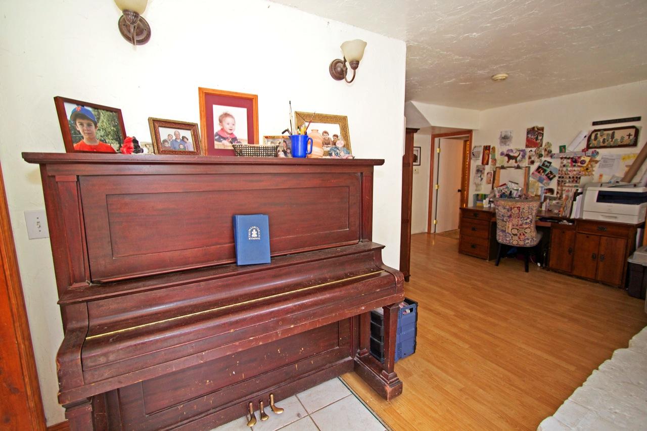 5 Living Room 1