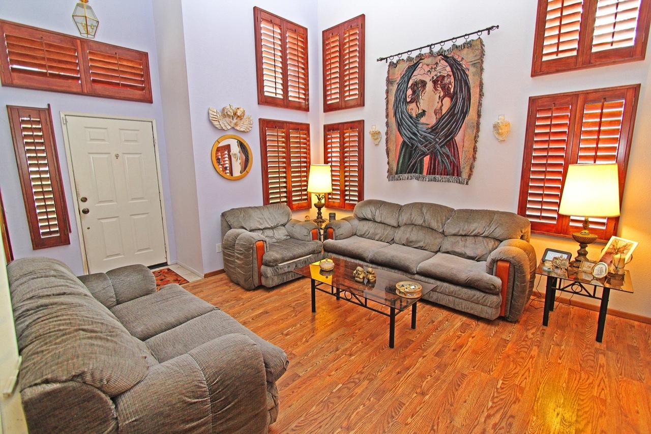 5 Living Room 4