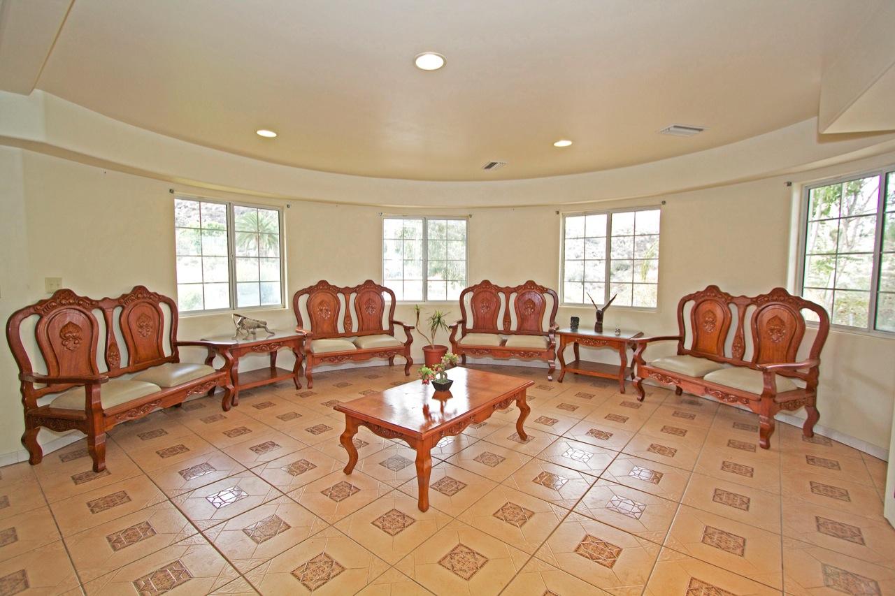 7 Living Room 2