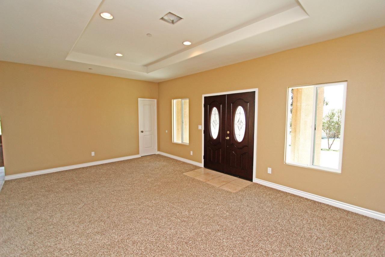 7 Living Room 3