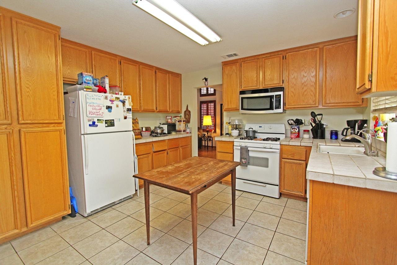8 Kitchen 1