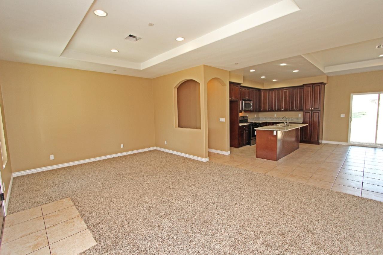 8 Living Room 4