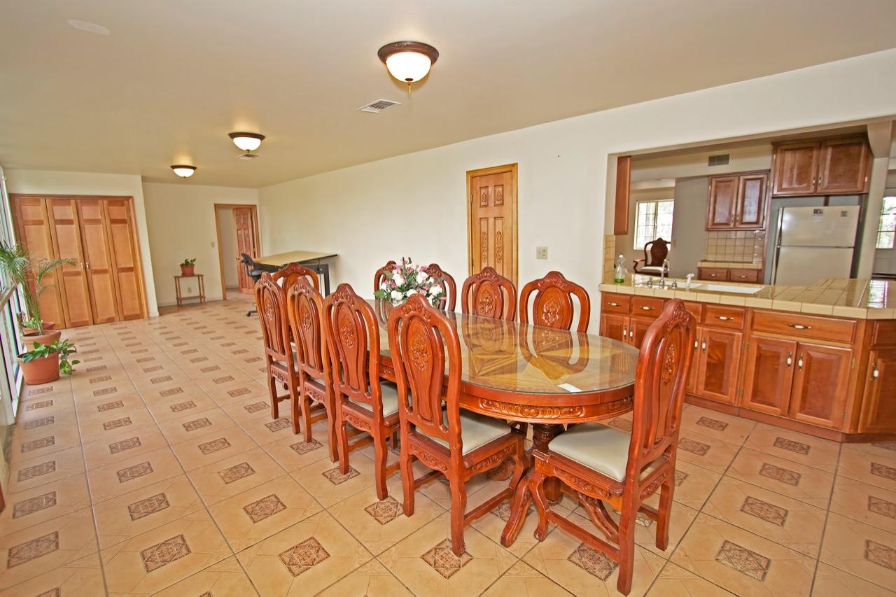 9 Dining Room 2