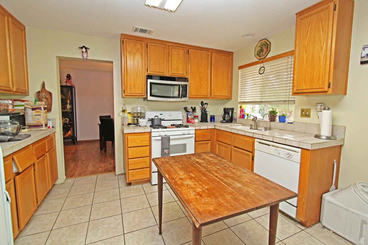 9 Kitchen 2