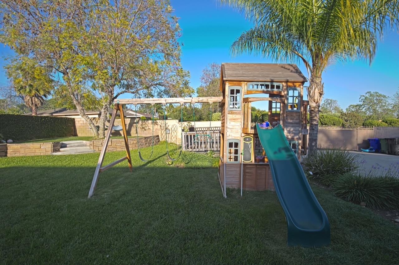 32 Playground 3