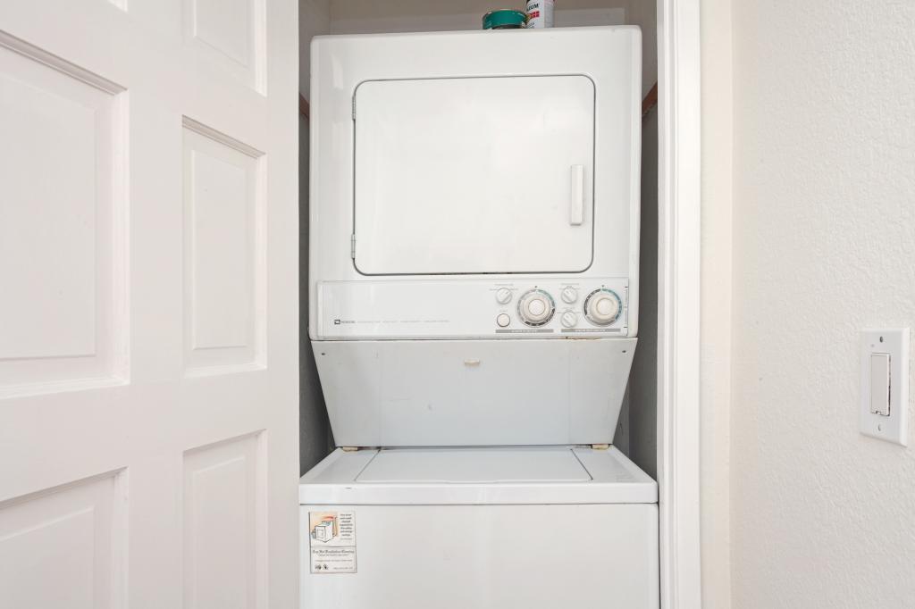 4031 Idaho St #F Private Closet Laundry