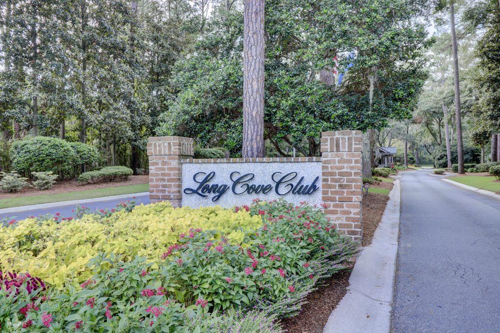 Long Cove Club Community Entrance