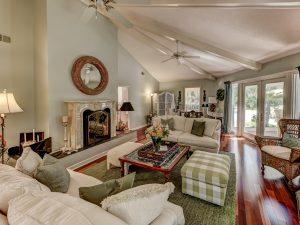 126 Coggins Point Road Living Room