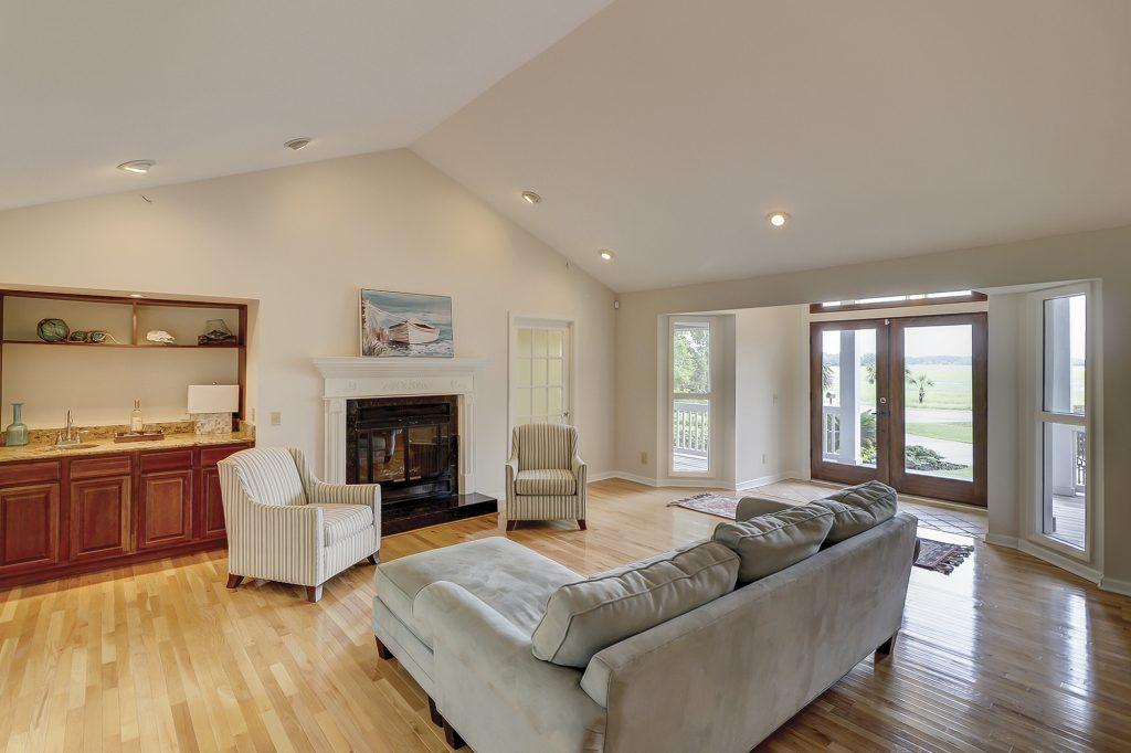 326 Moss Creek Drive - Great Room