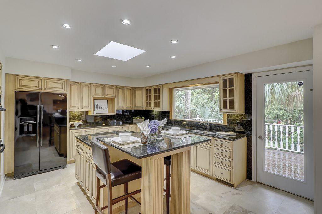 326 Moss Creek Drive - Kitchen