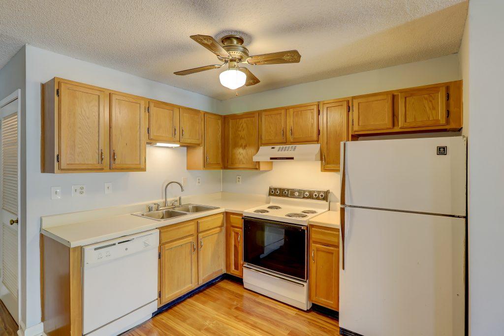 3317 The Spa - Kitchen