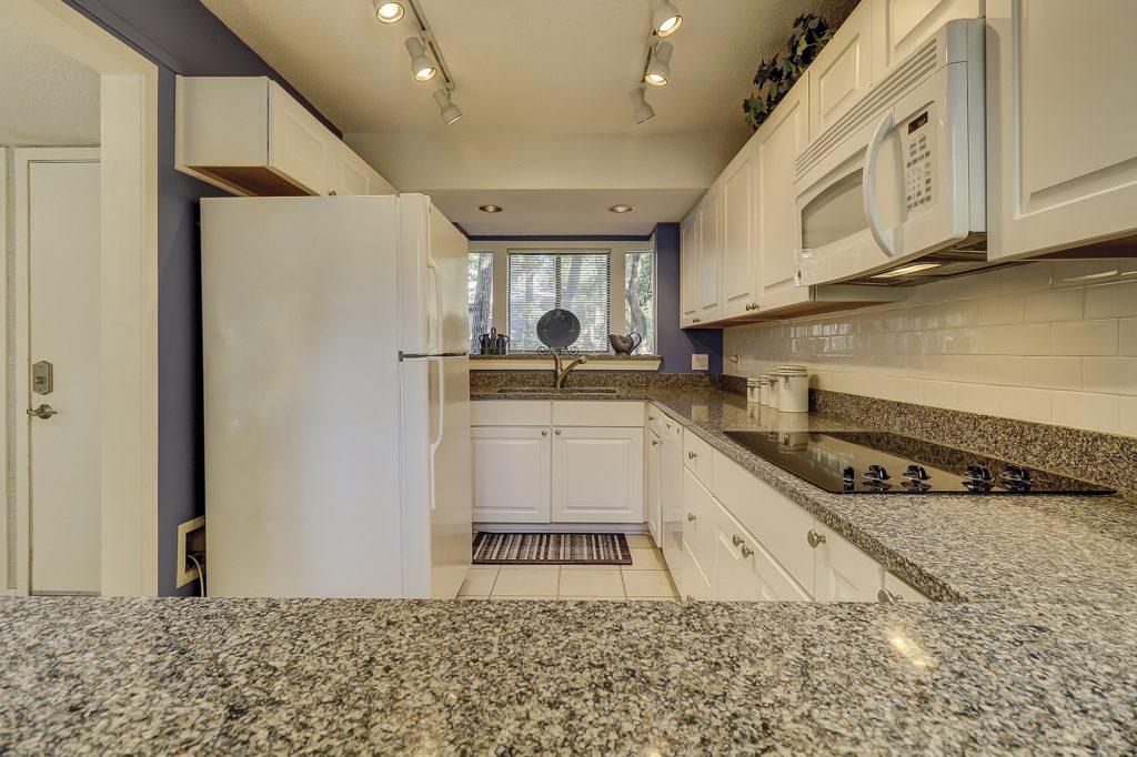 2435 Inland Harbour Villas Hilton Head Island, SC 29928 - Kitchen
