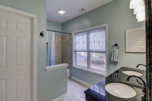 30 Brittany Place Unit #10 Hilton Head, SC Bathroom