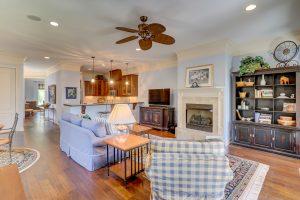 38 Fuller Pointe Drive, Living Room