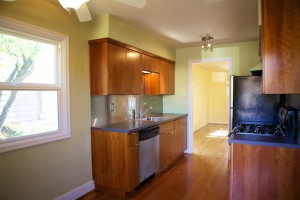 1015 Kitchen 2