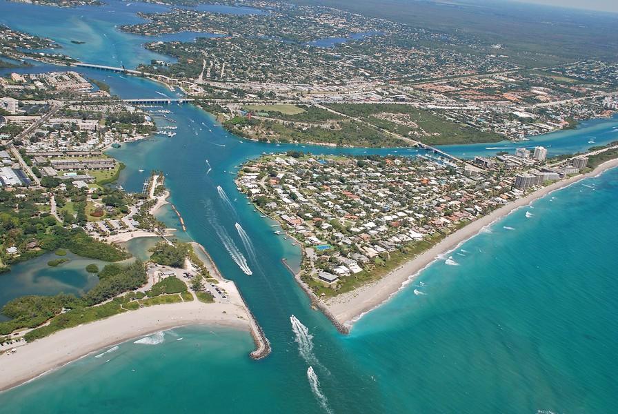 Jupiter Island waterfront Real Estate