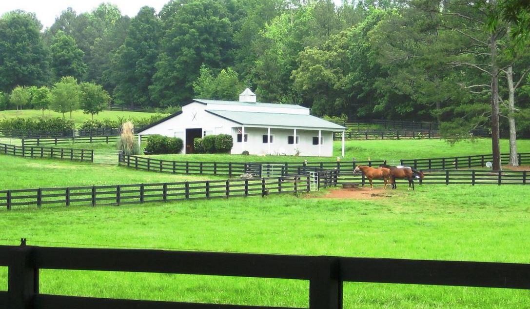Horse farms equestrian estate communities north fulton for Horse farm