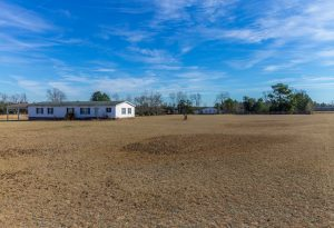 homes with land acreage