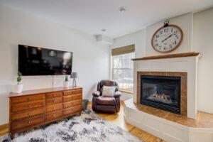 Sitting Room 1133 Springbrook in Bozeman MT 59718!