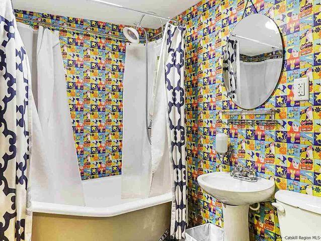 'Garden' bathroom