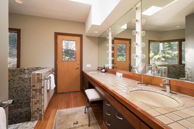 Main bath Wilson house