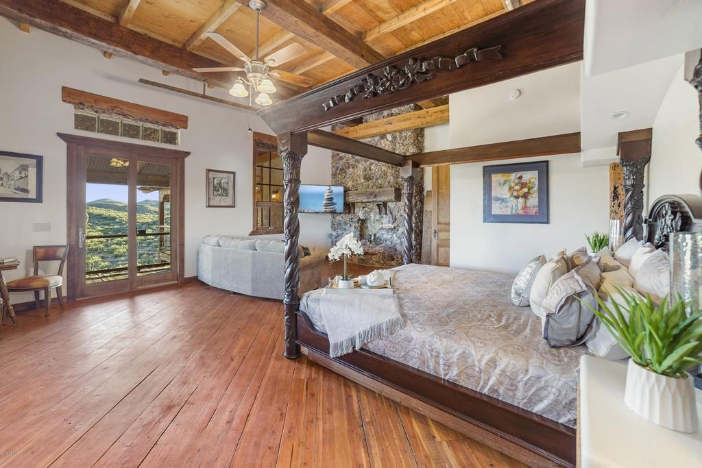 Owner's suite Shipworm shack