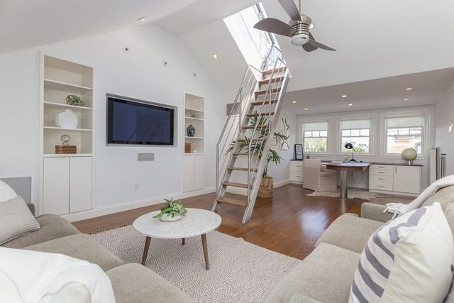 Great room Brad Marchand house in Boston
