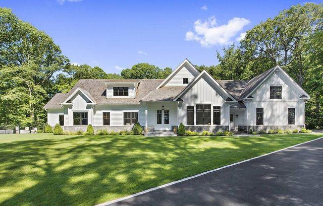 Modern farmhouse exterior Mount Kisco NY