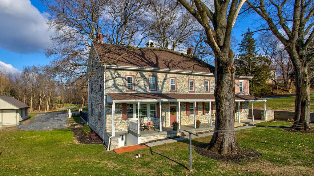 CategoryBeautiful B&B: Own This Inn in 'America's Coolest
