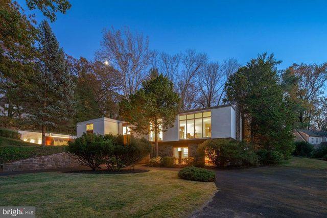 Glenside, PA modern house exterior