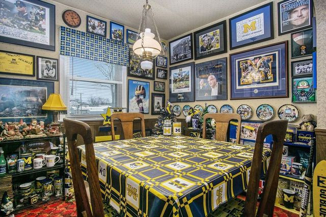 Dining room Michigan fan house