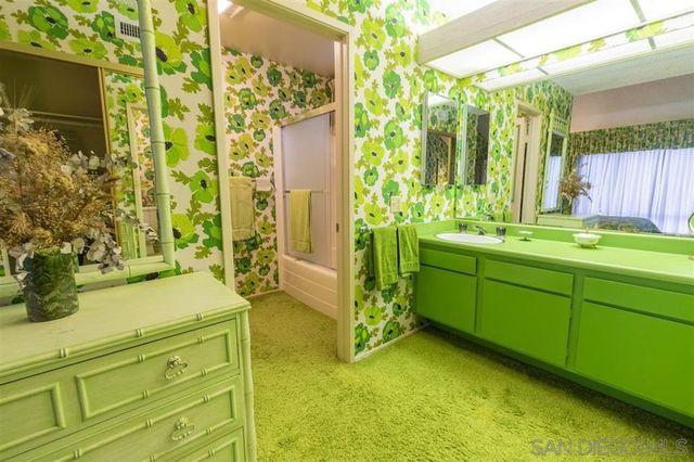 Owner's suite bath vintage green condo