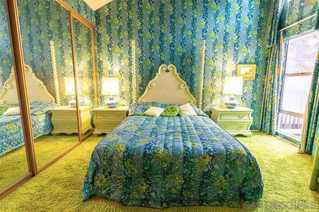Bedroom vintage green condo