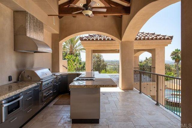 Outdoor kitchen Mike Love house Rancho Santa fe